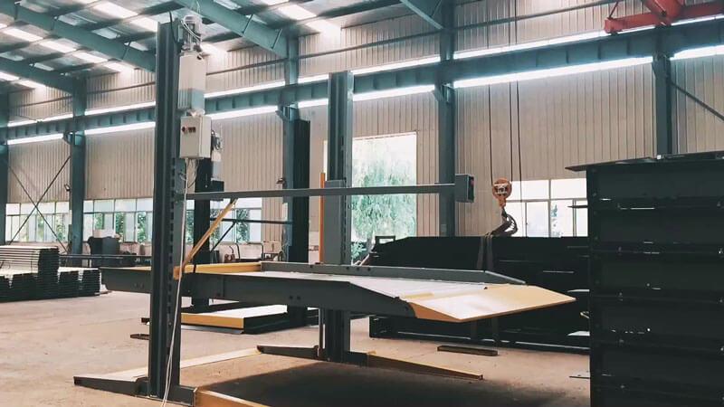 Hệ thống cầu nâng 2 trụ trong gara dùng đỗ xe