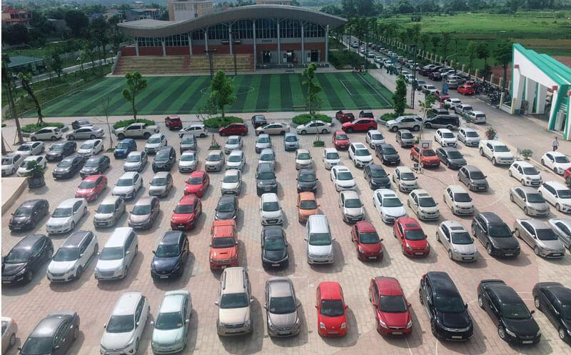 Tận dụng các trung tâm văn hóa thể thao làm bãi đỗ xe tạm