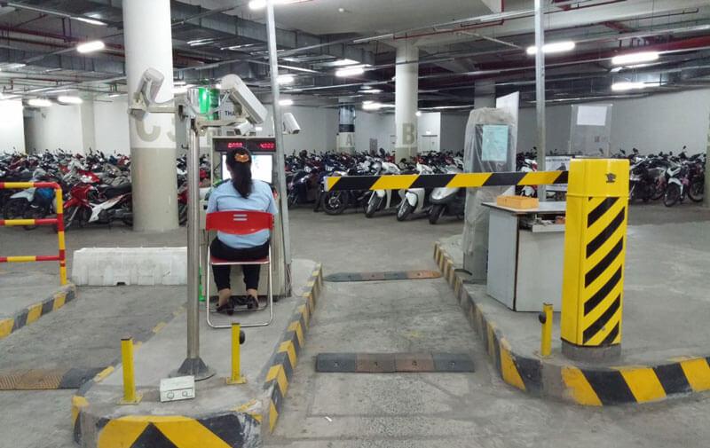Giải pháp kiểm soát xe máy ô tô ra vào bãi đỗ